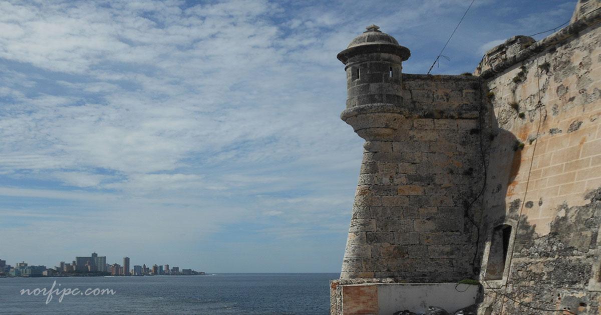 El Castillo de los Tres Reyes del Morro en la Habana