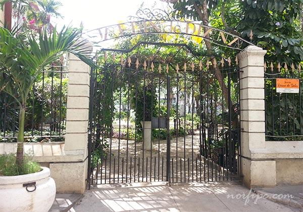 Parques y plazas en la habana vieja for Jardin zoologico de la habana