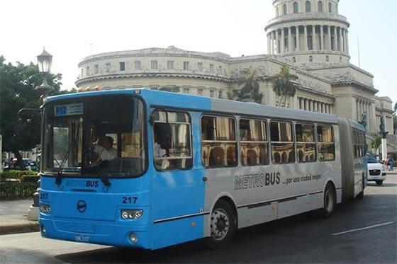 Metrobus P-12 bus à La Havane